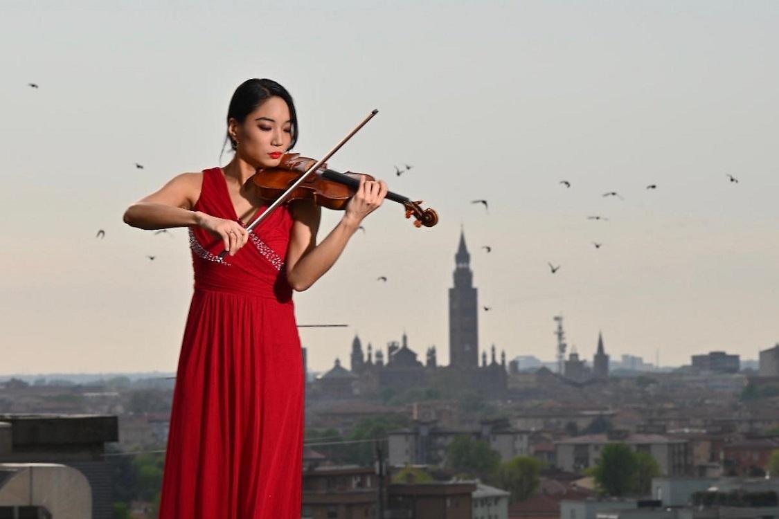 Violinista sul tetto dell'Ospedale di cremona